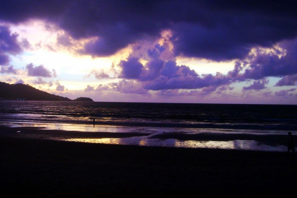 purple-colored sea