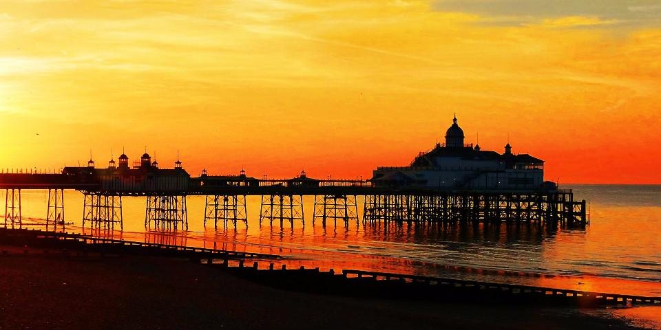 UK, Eastbourne, pier, sunset, coastline