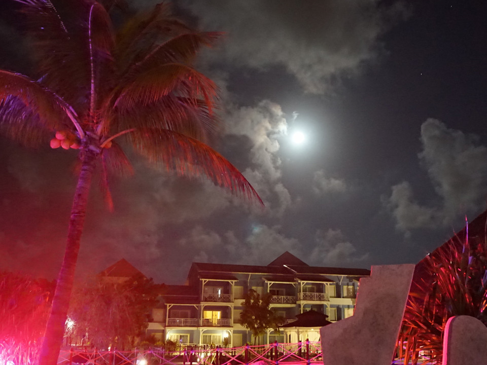 Cuba, Night, Sky, Moon, red light