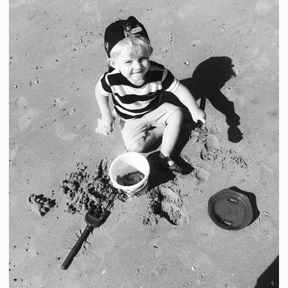 Boy, black & white, diggin, beach, airshow, happy, kid, sand
